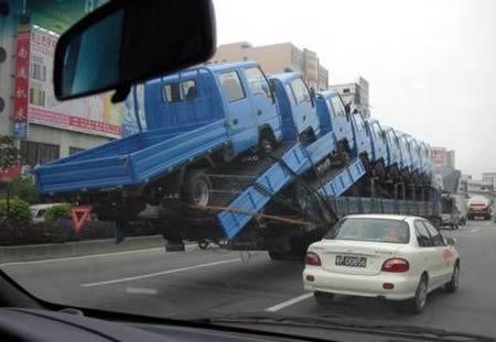このトラックどこに置けばいいっすか?